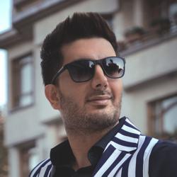 Farzad Farzin Clubhouse