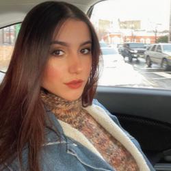 Larissa Lemos Clubhouse