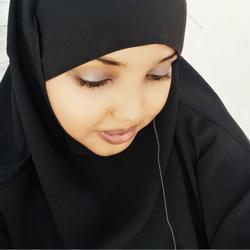 Layla Shucayb Clubhouse