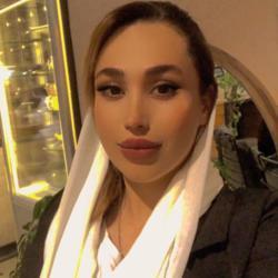 Nadia Ghorbani Clubhouse